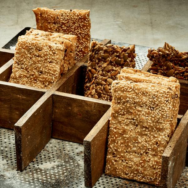 nysted-bageri-tapas-og-den-lille-sult-knaekbroed