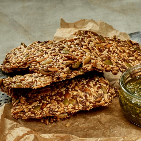 nysted-bageri-tapas-og-den-lille-sult-stenalder-knaekbroed
